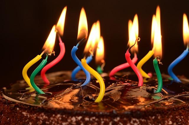 תמונות יום הולדת - נרות עוגה