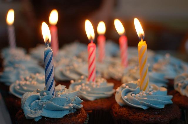 תמונות יום הולדת - נרות פאי
