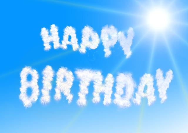 תמונות יום הולדת - כיתוב רקע שמיים שמש